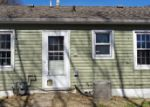 Foreclosed Home in Wood River 62095 WHITTIER ST - Property ID: 4121652114