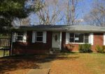 Foreclosed Home in Clarksville 37040 FORREST DR - Property ID: 4122000310