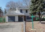 Foreclosed Home in Shirley 11967 HOUNSLOW RD - Property ID: 4123336125