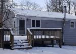 Foreclosed Home in New Milford 06776 MIST HILL DR - Property ID: 4125165103