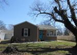 Foreclosed Home in Evansville 47714 S SAINT JAMES BLVD - Property ID: 4125419577