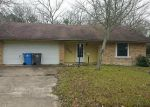 Foreclosed Home in Lufkin 75901 MEADOW LN - Property ID: 4126473787