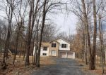 Foreclosed Home in Bushkill 18324 DOGWOOD CIR - Property ID: 4128126697