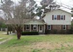 Foreclosed Home in New Bern 28560 HALF MOON RD - Property ID: 4128734604