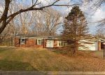 Foreclosed Home in Alton 62002 BRIARCLIFF DR - Property ID: 4129076663