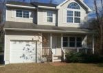 Foreclosed Home in Riverhead 11901 FANNING RD - Property ID: 4129697711