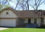 Foreclosed Home in Lake Jackson 77566 MISTLETOE ST - Property ID: 4130015679