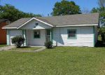 Foreclosed Home in Houston 77022 NORAS LN - Property ID: 4131848600
