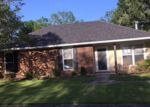 Foreclosed Home in Baton Rouge 70816 W MARSDEN PL - Property ID: 4133029820