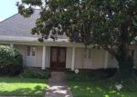 Foreclosed Home in Metairie 70002 NAPOLI DR - Property ID: 4134029263