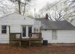 Foreclosed Home in Evansville 47714 E RIVERSIDE DR - Property ID: 4134376133
