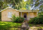Foreclosed Home in Lake Charles 70601 9TH ST - Property ID: 4135351515