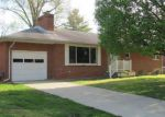 Foreclosed Home in Godfrey 62035 PARDEE RD - Property ID: 4135623943