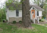 Foreclosed Home in Edwardsville 62025 SEMINOLE ST - Property ID: 4135624816