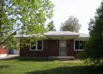 Foreclosed Home in Louisville 40216 POPLAR VIEW DR - Property ID: 4135696188