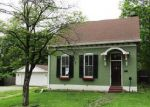 Foreclosed Home in Belleville 62220 MASCOUTAH AVE - Property ID: 4136439889