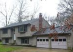 Foreclosed Home in Blackstone 01504 BELLINGHAM RD - Property ID: 4136541937
