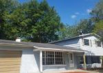 Foreclosed Home in Tampa 33615 CREST HILL DR - Property ID: 4137161213