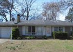 Foreclosed Home in Murphysboro 62966 RAINBOW DR - Property ID: 4138084922