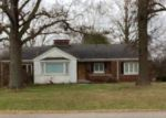 Foreclosed Home in Trenton 62293 N MADISON ST - Property ID: 4138089734