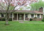 Foreclosed Home in Elizabethtown 42701 CLIFFORD DR - Property ID: 4138471645