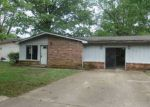 Foreclosed Home in Jonesboro 72401 KENWOOD ST - Property ID: 4139376942