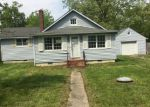 Foreclosed Home in Edgewater 21037 CADLE AVE - Property ID: 4139889361