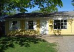 Foreclosed Home in East Saint Louis 62206 SAINT PAUL DR - Property ID: 4139907314