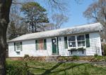 Foreclosed Home in Mastic 11950 FORRESTALL DR - Property ID: 4140658894