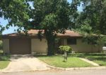 Foreclosed Home in Luling 78648 PARKVIEW ST - Property ID: 4142333698