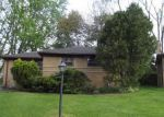Foreclosed Home in Oak Park 48237 ONEIDA ST - Property ID: 4142765537