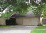 Foreclosed Home in League City 77573 STONEWALL DR - Property ID: 4143671258