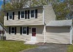 Foreclosed Home in Waterbury 06704 MADERA DR - Property ID: 4143843388
