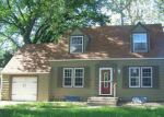 Foreclosed Home in Hutchinson 67501 E 16TH AVE - Property ID: 4144018130