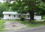 Foreclosed Home in Lexington 38351 POPLAR SPGS BARG RD - Property ID: 4144316850