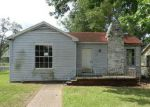 Foreclosed Home in Shreveport 71101 E WYANDOTTE ST - Property ID: 4145035105