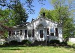 Foreclosed Home in Hillsboro 62049 WILLIAMS ST - Property ID: 4146626268