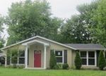 Foreclosed Home in Louisville 40218 ROSARY CT - Property ID: 4148086930