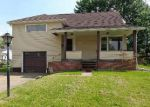 Foreclosed Home in Massillon 44646 OAKVIEW ST NW - Property ID: 4148308985