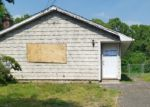 Foreclosed Home in Shirley 11967 DECATUR AVE - Property ID: 4149241869