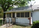 Foreclosed Home in Staunton 62088 ROOSEVELT ST - Property ID: 4149770945