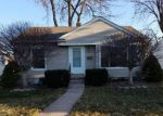 Foreclosed Home in Garden City 48135 BARTON ST - Property ID: 4151652916