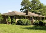 Foreclosed Home in Franklin 28734 CAT CREEK RD - Property ID: 4151727804
