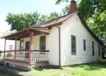 Foreclosed Home in Alton 62002 E 9TH ST - Property ID: 4152217451