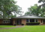 Foreclosed Home in Lufkin 75904 PERSIMMON AVE - Property ID: 4154152423