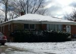Foreclosed Home in Oak Park 48237 WESTHAMPTON ST - Property ID: 4154758580