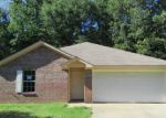 Foreclosed Home in Edwards 39066 CEMETERY RD - Property ID: 4157868186