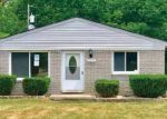 Foreclosed Home in Southfield 48033 WAKEDON ST - Property ID: 4158374492