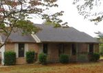 Foreclosed Home in Ozark 62972 TUNNEL HILL RD - Property ID: 4158922843