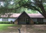 Foreclosed Home in Clinton 39056 TWIN OAKS DR - Property ID: 4160805243